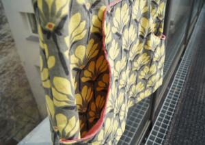 The louisa Dress yellow flowers Detail Tasche innen